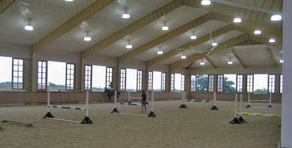 Competitive horse arena