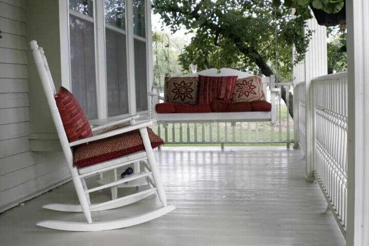 Style Design Tips for Your New Front Porch